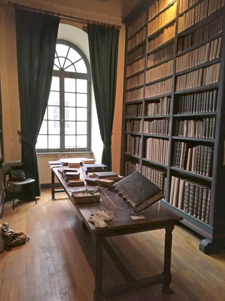 La bibliothèque de Valognes