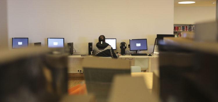 [Lieux] Les bibliothèques luttent contre la fracture numérique